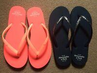 2 x NEW flip flops
