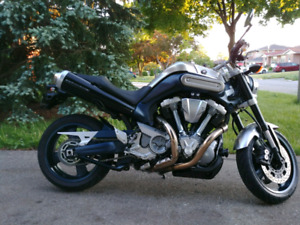 Yamaha MT-01 in great condition.