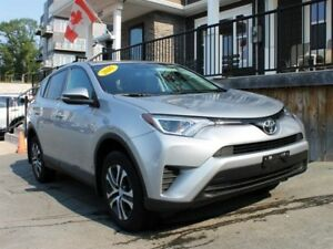 2016 Toyota RAV4 LE / 2.5L I4 / Auto / AWD **Like New!!**