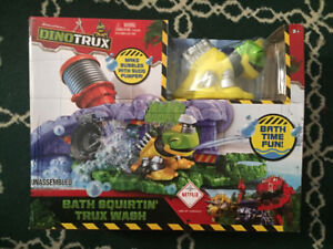 NEW Dinotrux/Dino Trux Bath squirtin' trux wash bubble fun!