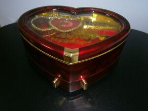 Coffre à bijoux musical en forme de coeur