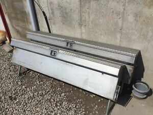 Stainless truck bed toolbox