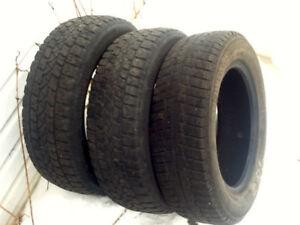 3 pneus d'hiver