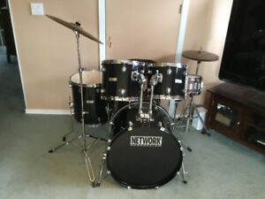 GREAT CONDITION 5 PC NETWORK DRUM KIT