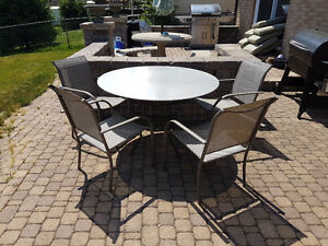 Custom 4' diameter aluminum top table with 4-chairs