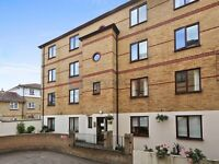 2 bedroom flat in Rotherhithe Street, Rotherhithe SE16