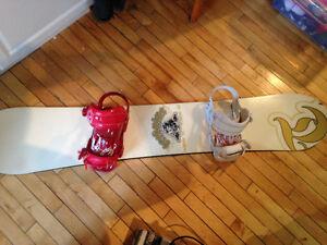 Planche à neige et botte 80$