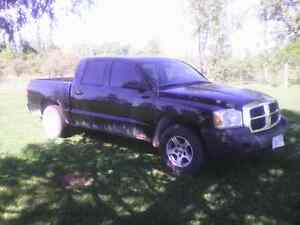 '06 Dodge Dakota Quad Cab SLT 4x4