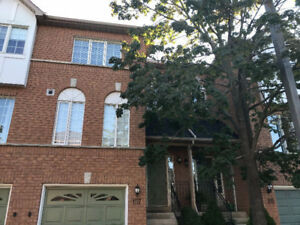 Town House For Rent (3 Bed Rooms)- Brampton