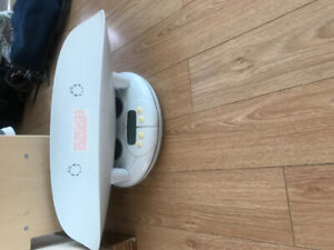 Baby scale ( electronic for baby or toddler)