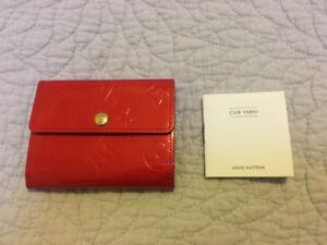 Louis Vuitton Ludlow mini wallet in red Monogram Vernis - NEW!