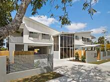 2bed 2bath unit in Zillmere available for $325/week. Zillmere Brisbane North East Preview