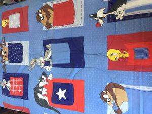 Looney Tunes Reversible Twin Comforter