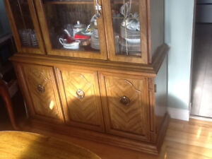 Beautiful antique hutch/display cabinet