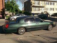 2000 Lincoln Town Car Sedan