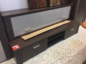 TV STAND RAFLO - MINT CONDITION - MADE IN EUROPE