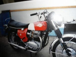 MOTORCYCLE 1967 BSA SPITFIRE MK111  FOR SALE  IN GREAT CONDITION