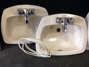 2 bathroom sinks