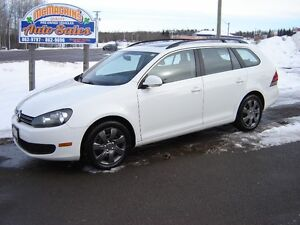 2010 VOLKSWAGON GOLF***SPORTWAGON***HEATED SEATS***SUNROOF***