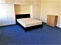 Beautiful Large Rooms in Zone 2, Inclusive of All Bills - Couples Welcome