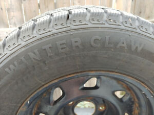 Set of 4 Winter tires on rims 215/70/15