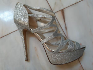 SHOES - ALDO SPARKLY SILVER HIGH HEELS