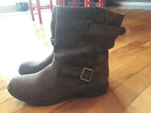Women's Sketchers Mad Dash mid-calf cowboy style boot size 10