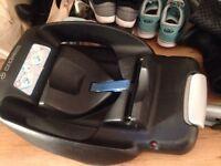 Maxi Cosi Car seat and Easy fix Base