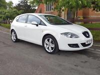 SEAT Leon 2.0 TDI STYLANCE DSG / REAR PARKING SENSORS / BLUETOOTH / 3% FLAT RATE