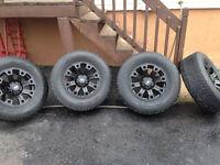 Mag dodge ram 17 po avec pneu d hiver ,un ans d usure