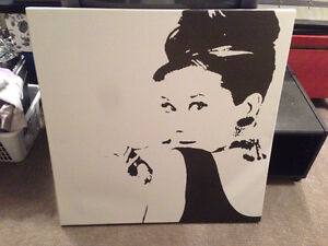 Art canvas ikea find or advertise art and collectibles for Ikea audrey hepburn
