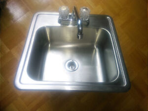 Bar sink and faucet 17x17