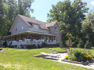 TRENTON/BLVL WTRFRNT 4 BED/3BATH SLEEPS 7/8 $135 P/NIGHT MONTH