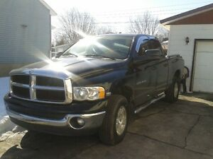 2003 Dodge Power Ram 1500  Hemi Chrome Négociable