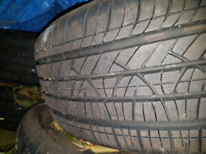 Motomaster 215/65R16 - set of 4 like new all-season tires, 90% t