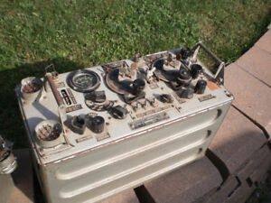 Radio militaire Canadien guerre 1939-1945 original ancien