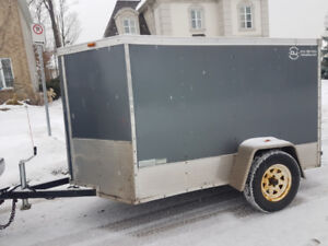 Enclosed trailer 5x8 with ramp + side door + Vnose .  2250$