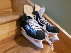 Bauer hockey skates size 3