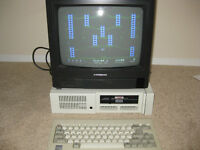 IBM PCj COMPUTER WITH TV MONITOR