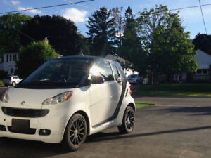 2011 Smart Car-White with *Winter Tires included*