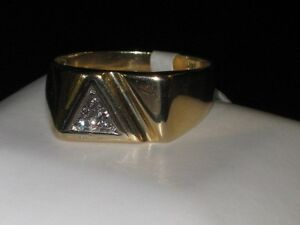 14k gold ring with 6 diamonds, size 11.25