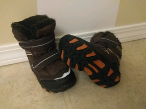 5T (size 5 toddler) winter boots