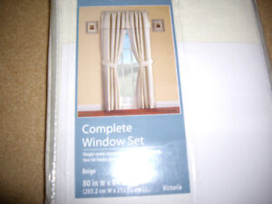 Curtains/shower/hooks, table cloth, and protectorBeautiful
