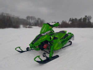 Arctic cat zr 9000 137 limited