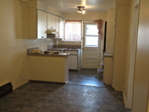 Fully renovated spacious 4 1/2 on third floor - MUST SEE!