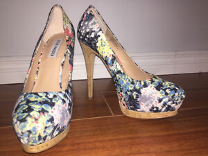 Beautiful patterned Steve Madden pumps $40 OBO
