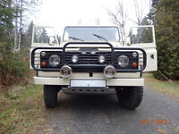 DEFENDER  110  AMBULANCE  3 portes   1983   ULTRA RARE