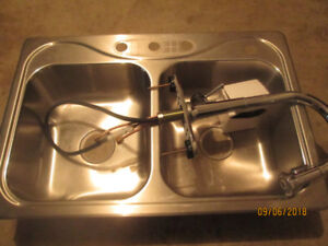 double stainless steel sink with peerless tap