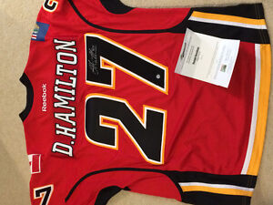 Calgary Flamed signed jersey
