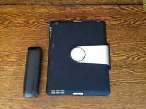 iPad 4th Gen 32GB WIFI w/ keyboard case & stylus